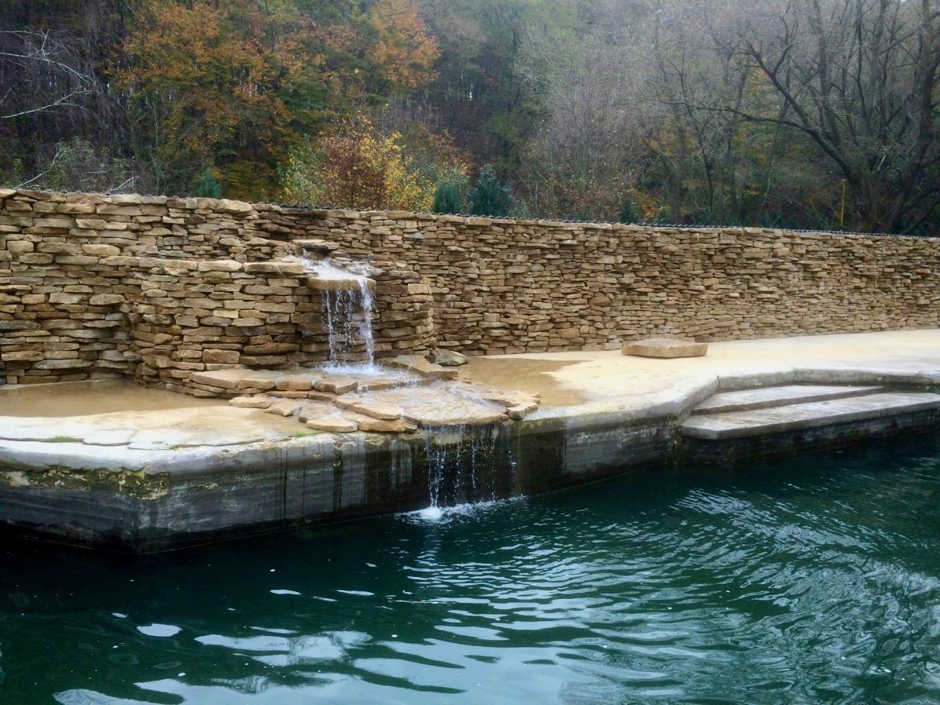 Realizácie vodných prvkov (jazierka, potôčiky, vodopády, fontány) Realizácie záhrad - DreamGardens Košice
