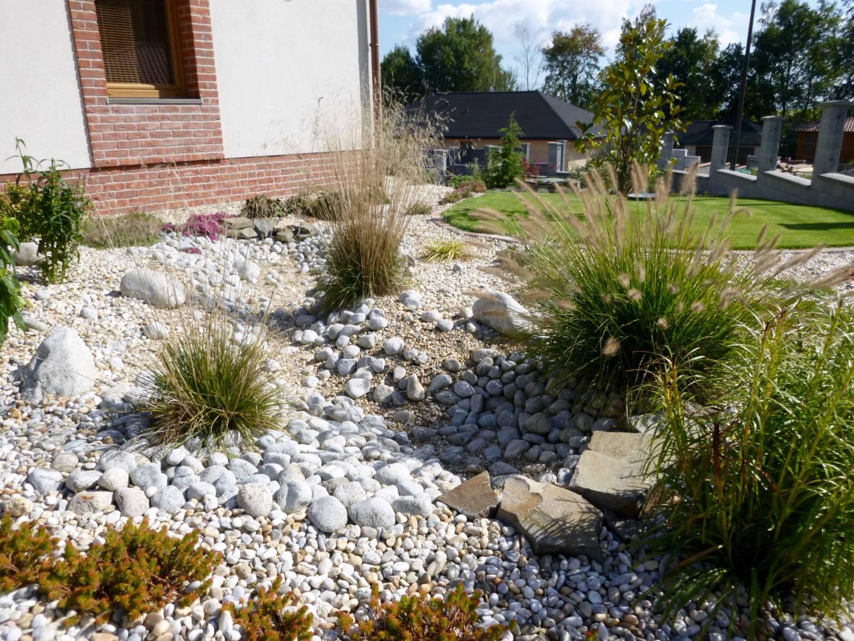Tvorba záhonov a výsadby rastlín Realizácie záhrad - DreamGardens Košice